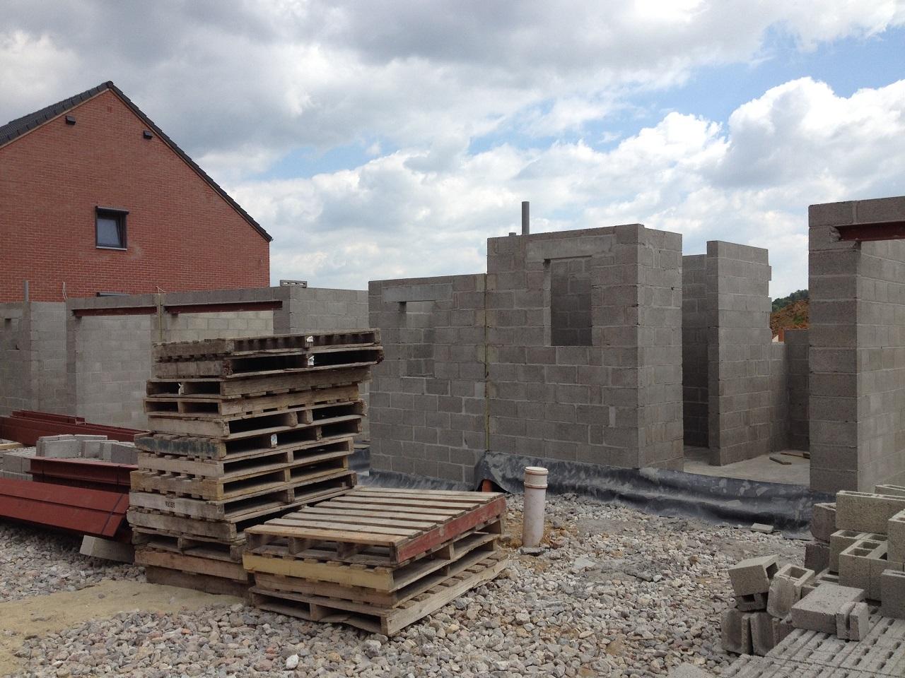 nouvelles photos des constructions de saint aubin et ressaix 17 06 15 conseil b le. Black Bedroom Furniture Sets. Home Design Ideas